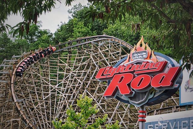 Lightning+Rod%21+A+Wooden+Coaster+at+DollyWood+in+Tennessee
