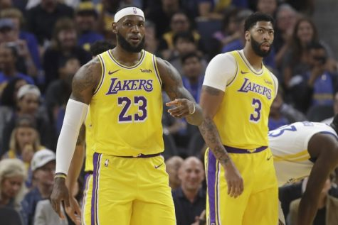 Lakers put on a show vs. Pistons