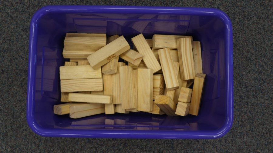 How+Many+Jenga+Blocks+Are+There%3F%3F%3F+First+To+Guess+Gets+A+Prize%21%21%21